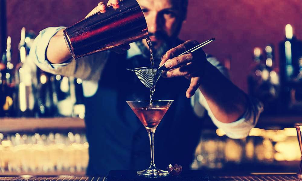 hire a mixologist at home